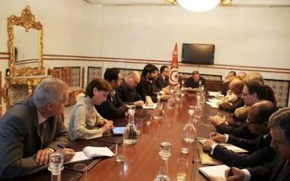 Habib Essid: «La Tunisie est déterminée à réussir les réformes économiques»