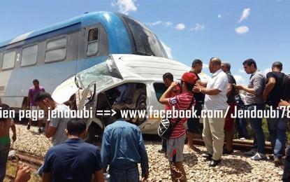 Boussalem: Un mort dans la collision entre un train et un taxi