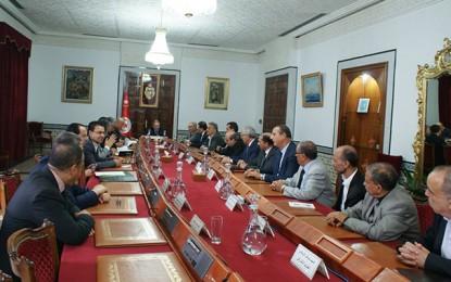 Habib Essid met les chefs de partis devant leur responsabilité
