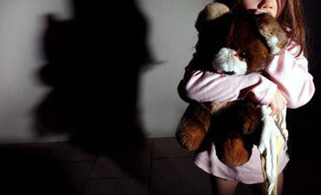 Petite-fille-violée