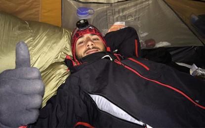 L'alpiniste tunisien Tahar Manaï à l'assaut du mont Elbrous en Russie