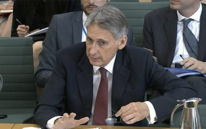Philip Hammond défend l'interdiction de voyage en Tunisie