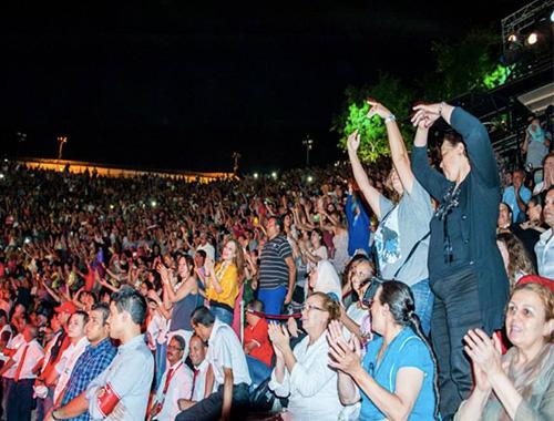 Public-du-festival-de-Carthage
