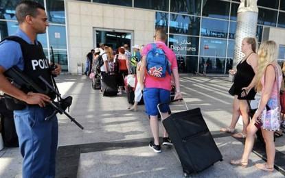 Londres prolonge son avertissement contre le voyage en Tunisie