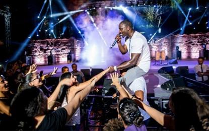 Avec Akon, Carthage implose