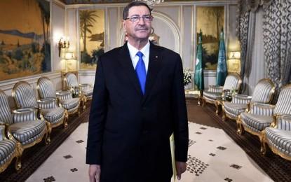 Essid: «La Grande Bretagne doit aider la Tunisie dans sa lutte anti-terroriste»