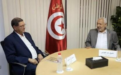 Essid au siège d'Ennahdha : Qui dirige la Tunisie?