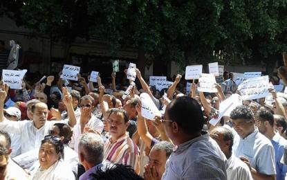 Instituteurs : Suspension du prélèvement des jours de grève