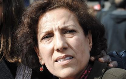 Radhia Nasraoui suspend sa grève de la faim