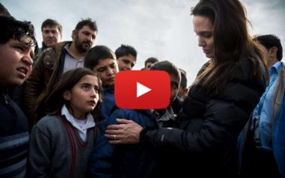 Angelina Jolie et Brad Pitt s'apprêtent à adopter un orphelin syrien
