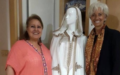 Haute couture : Christine Lagarde séduite par les créations de Faouzia Frad