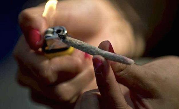 Fumeuse-de-cannabis