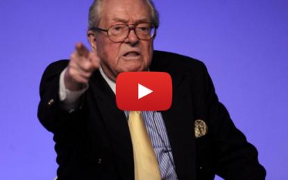 Jean-Marie Le Pen crée le «Rassemblement Bleu Blanc Rouge»