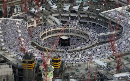 Pèlerinage : Un effondrement de grue fait 65 morts (vidéo)
