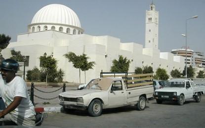 Mosquée Lakhmi : Le ministère suspend la prière de vendredi
