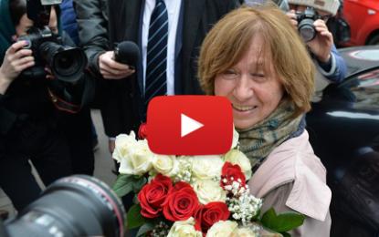 Svetlana Alexievitch reçoit le prix Nobel de littérature