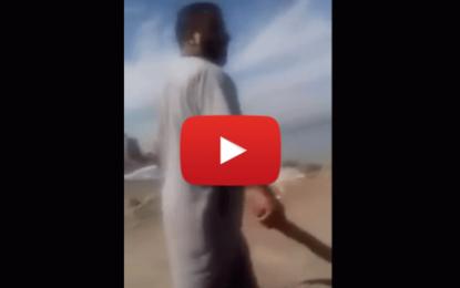 Un fondamentaliste religieux fait la loi dans une plage algérienne!