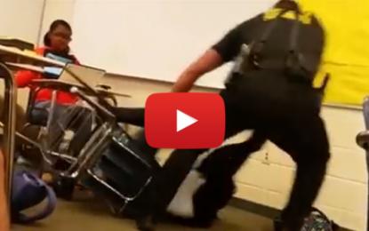 Un policier agresse violemment une élève aux Etats-Unis!