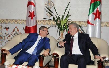 Essid à Alger : Coopération et lutte contre le terrorisme