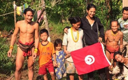 Une Tunisienne chez «les hommes des Fleurs» en Indonésie
