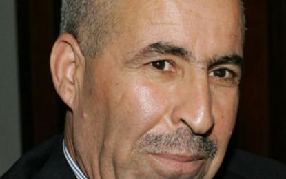 Habib Essid accepte la démission de Lazhar Akermi