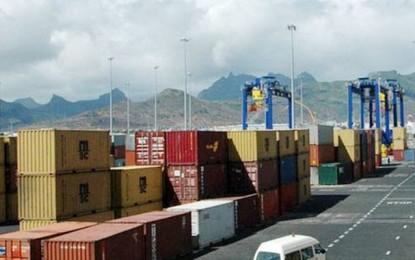 Port de Rades : Le ministre du Transport constate un fort absentéisme