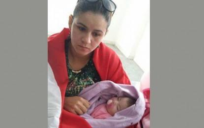 Sfax : Une agente de la garde nationale en sit-in avec son bébé