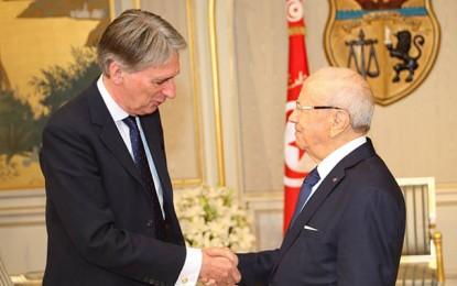 Hammond renouvelle le soutien de la Grande Bretagne à la Tunisie