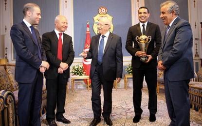 Slim Riahi s'indigne après la cérémonie en l'honneur de l'ESS à Carthage