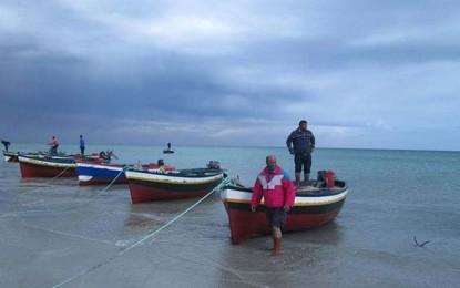 Des pêcheurs tunisiens menacent d'émigrer en Italie