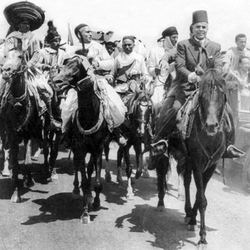 Lazhar-Chraiti-Bourguiba-en-1955