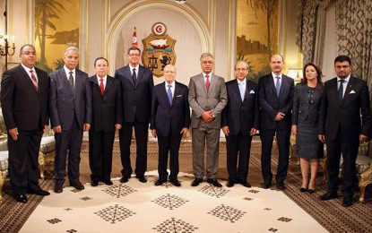 Les nouveaux membres du gouvernement prêtent serment