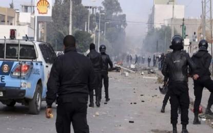 Les protestations pacifiques pourries par des saboteurs professionnels