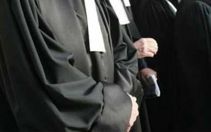 Les avocats dénoncent la libération des agresseurs de leur consœur