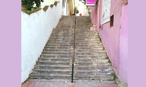 Les escaliers de Radès avant l'action couleurs