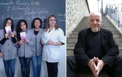 «Merci Tunis», lance Paulo Coelho à des élèves tunisiens