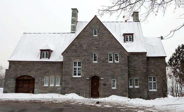 La villa canadienne de sakher el materi vendue pour une for Achat de maison au canada