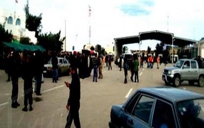 Bruits de guerre : 3000 Libyens entrés en Tunisie en 24 heures