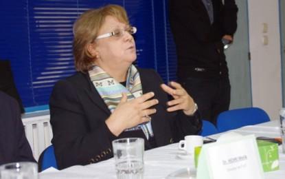Hela Ennaifar renforce son activité dans l'enseignement supérieur