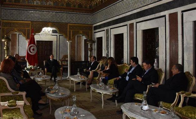 Habib-Essid-rencontre-avec-les-journalistes