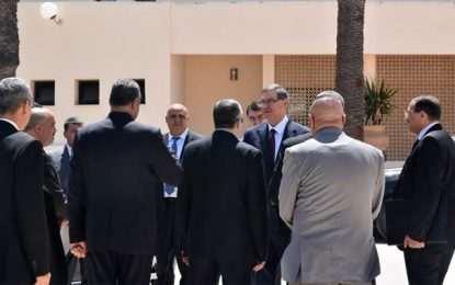 Habib Essid félicite les forces de la garde nationale