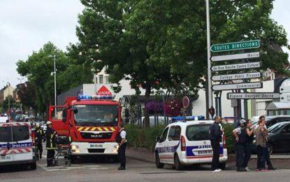 France : Un prêtre égorgé dans une église près de Rouen