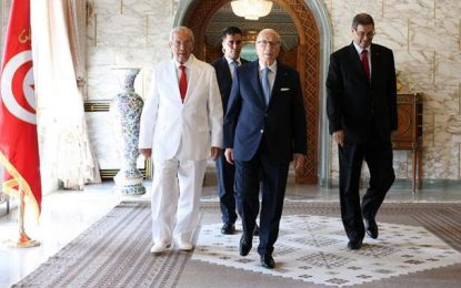 La Tunisie en crise : Le départ d'Habib Essid est-il vraiment la solution?