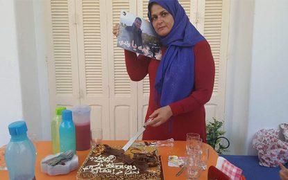 La mère de Nadhir Guetari fête l'anniversaire de son fils disparu en Libye