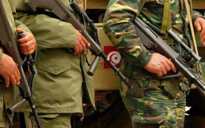Gafsa : Un militaire atteint par une balle de son arme à feu