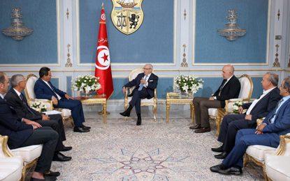 Caïd Essebsi signe la Déclaration sur la liberté de la presse dans le monde arabe