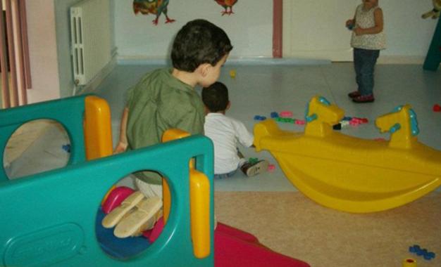 Bient t un num ro vert pour d noncer les abus dans les jardins d enfants kapitalis - Jardin d enfant en tunisie ...