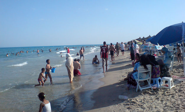baigneurs-sur-la-plage-de-sidi-ali-el-mekki