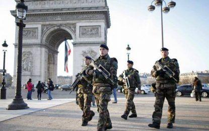 France: L'état d'urgence prolongé de 7 mois
