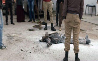 Un jeune tente de s'immoler par le feu devant le siège d'Hannibal TV